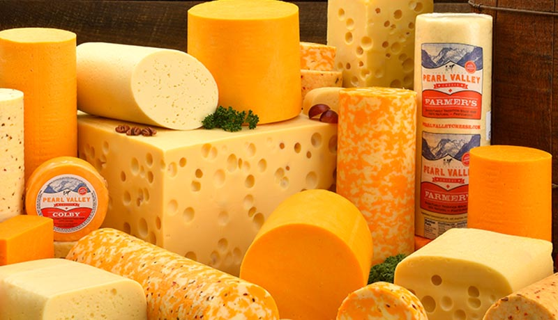 انواع پنیر جز غذاهای چاق کننده