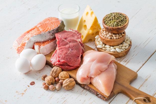 مصرف پروتئین برای داشتن شکم شش تکه